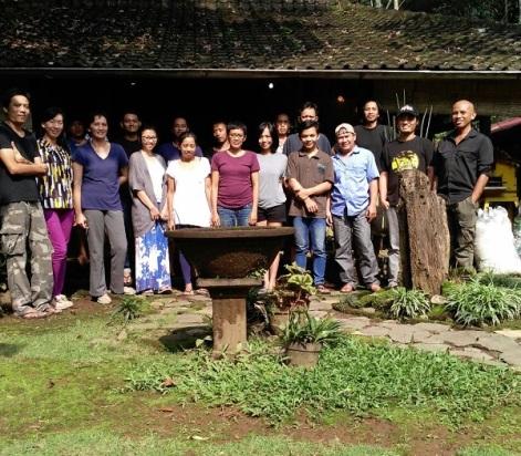 Yen Goo & the Paguro team